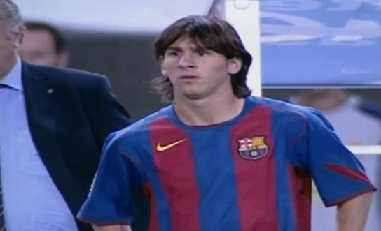 - حياة ليونيل ميسي : طفولته و انجازاته و نهاية حقبة مع برشلونة