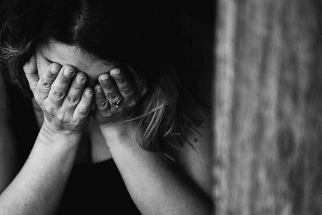 آلام الدورة الشهرية 1024x684 - علاج آلام الدورة الشهرية : أسباب و أعراض عثر الطمث